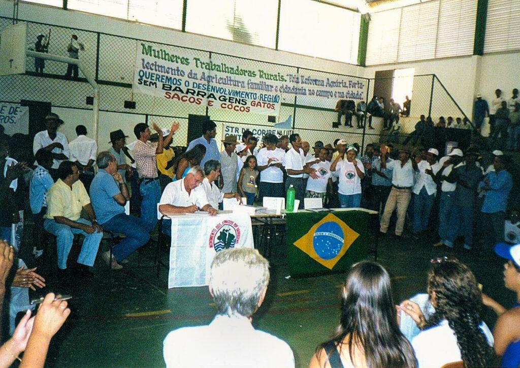 Audiência pública sobre Barragem de Gatos e Sacos em  2002.  Jaborandi, BA.
